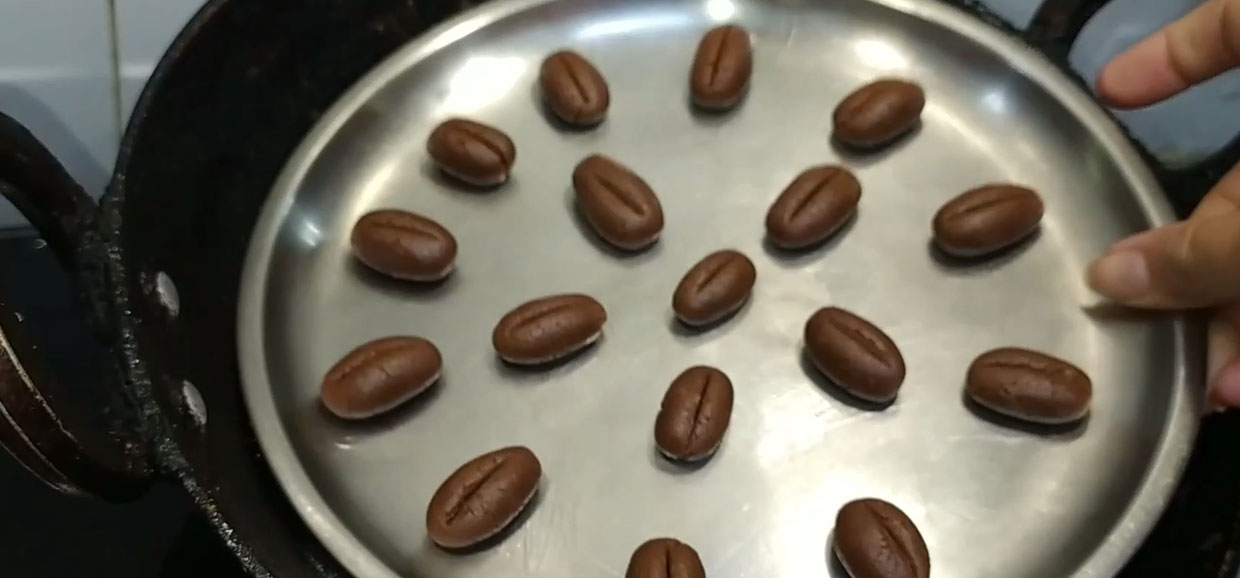 coffee beans cookies step 6